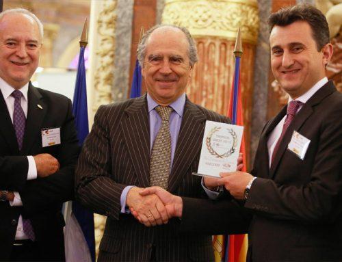 """Anecoop Recibe el premio """"Empresa de 2015"""" por su consolidación en Francia"""