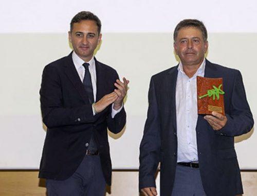 ASAJA Alicante reconoce la labor profesional de Francisco Devesa, Presidente de Frutaltea y Consejero de Anecoop